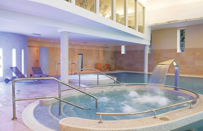 Things to do in County Roscommon, Ireland - Hodson Bay Hotel - Children's Pool - YourDaysOut - Photo 2